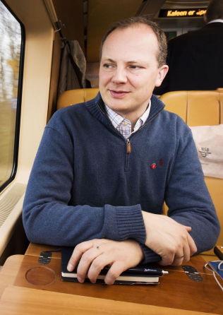 <p>REAGERTE: Samferdselsminister Ketil Solvik-Olsen (Frp) observerte MDGs Lan Marie Nguyen Berg i drosje etter NRK-debatten. Her fra en tidligere anledning, på toget fra Oslo Sentralbanestasjon til Stavanger.<br/></p>