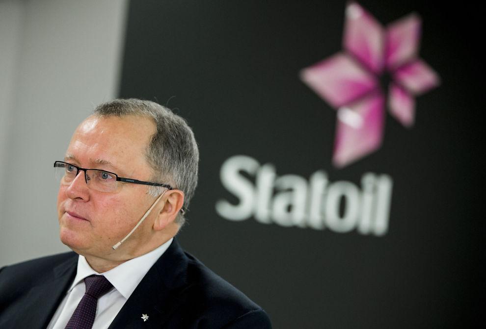 <p>GÅR DÅRLIG: Konsernsjef Eldar Sætre i Statoil snakker med pressen etter å ha presentert resultatet for tredje kvartal 2015 på Fornebu onsdag morgen. For å kvitte seg med ansatte, gir han gode sluttpakker.<br/></p>