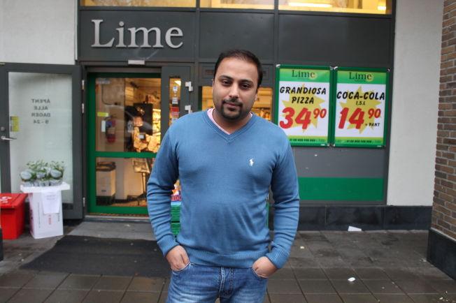 <p>I 2012: Dette bildet er tatt av Sajjad Hussain utenfor en av Lime-butikkene i 2012.</p>