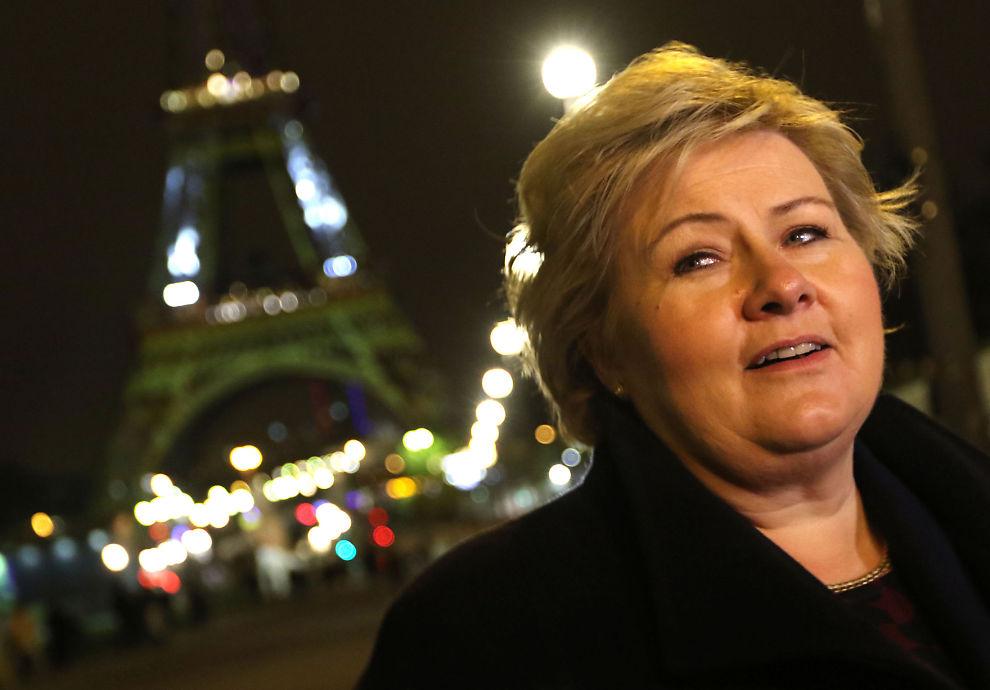 SKAL FORHANDLE FØRST: Statsminister Erna Solberg (H) var i Paris og deltok på starten av klimatoppmøtet som varer ut neste uke. Stortinget har vedtatt at Norge skal bli en del av EUs klimakutt-plan, men Solberg tar nå forbehold om utfallet av forhandlingene,