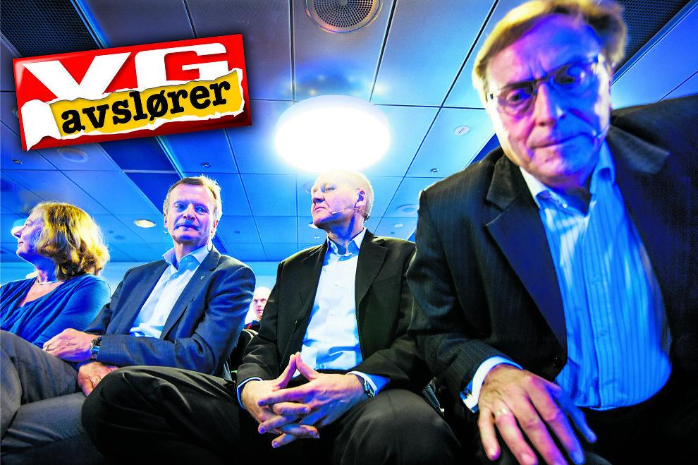 <p>DEN UTPEKTE: Under lyset fra taket sitter nyvalgt konsernsjef Sigve Brekke under presentasjonen av ham 12. mai i år i Telenors lokaler på Fornebu. Til høyre bøyer nå sparket styreleder Svein Aaser seg frem. Til venstre sitter direktør for Telenor Norge, Berit Svendsen, sammen med avgått konsernsjef Jon Fredrik Baksaas.</p>