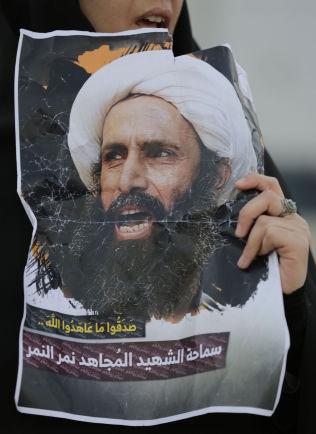 <p>PROTEST: Henrettelsen av Nimr al-Nimr utløste sterke prostester i flere land i Midtøsten. Her fra Bahrain mandag.</p>