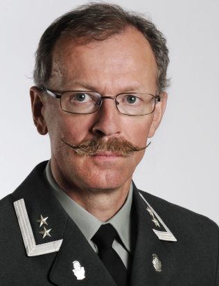 <p>OBERSTLØYTNANT: Palle Ydstebø leder seksjon for militærstrategi og doktrine ved Forsvarets stabsskole.</p>