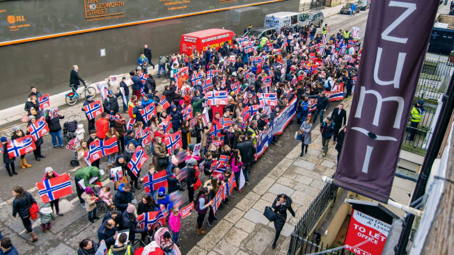 <p>DUBLIN: Fredagens protest utenfor den norske ambassaden i den irske hovedstaden.</p>