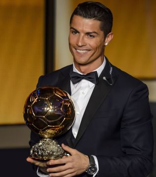 <p>I FJOR: Ronaldo med Gullballen.<br/></p>