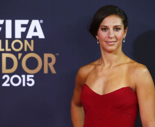 <p>GULLBALL-VINNER: Houston Dash og USAs Carli Lloyd.<br/></p>