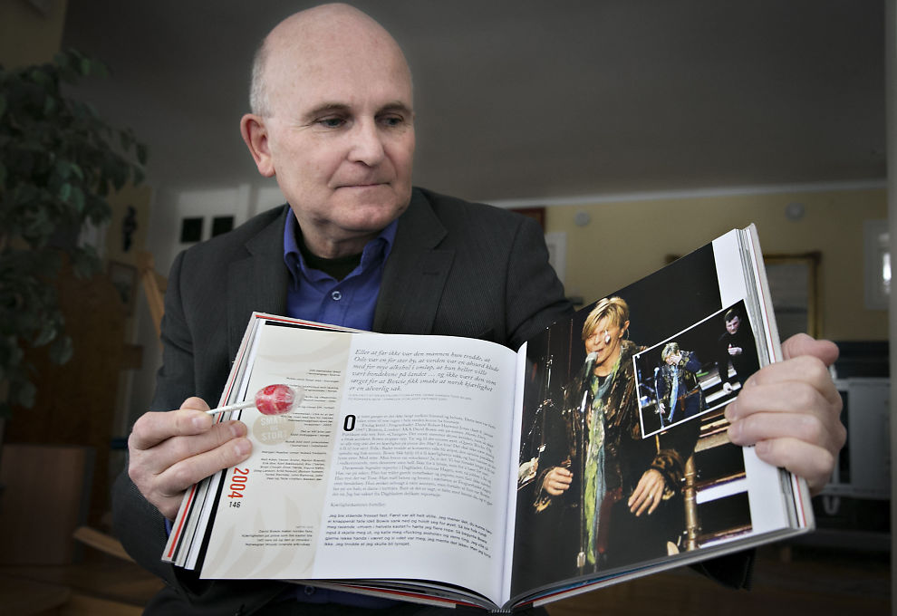 <p>GODT BEVART: Sten Randers Fredriksen har tatt vare på kjærligheten på pinne som traff David Bowie i øyet.</p>