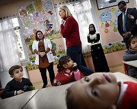 Sylvi Listhaug møtte syriske flyktningbarn - vil ikke ha dem til Norge