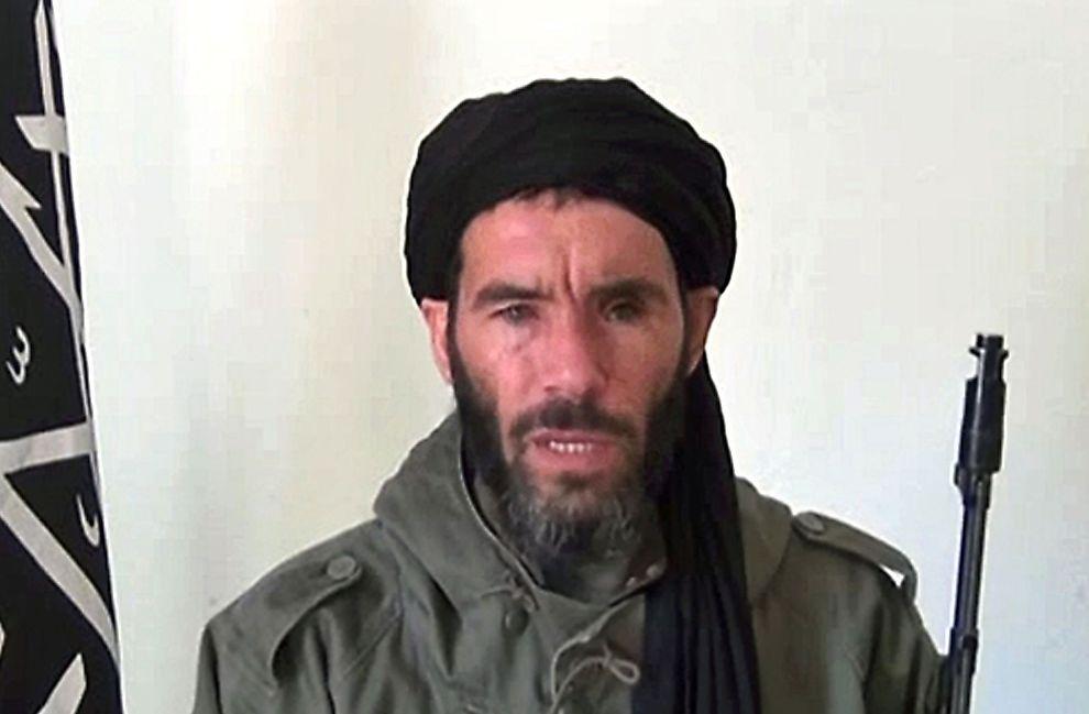 <p>BERØMT OG BERYKTET: AQIM-leder Mokhtar Belmokhtar skal være tilbake i varmen i Al-Qaida, og beskyldes for å stå bak det andre terrorangrepet mot hoteller i Vest-Afrika på få måneder.</p>