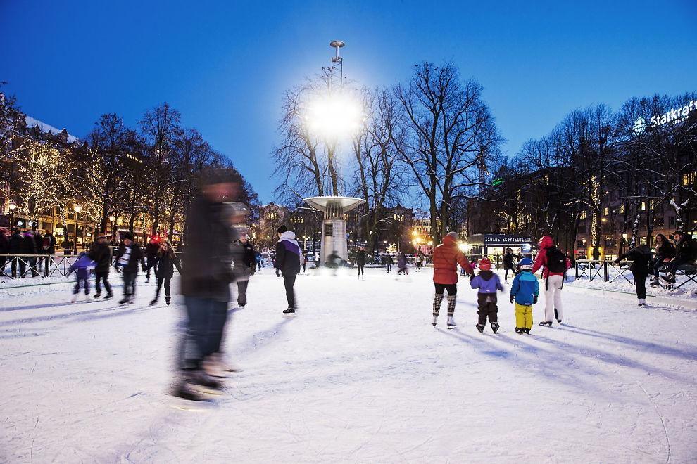 <p>OSLO I GÅR: I et vintervakkert Norge er det lite som minner om terrorhandlingene som det siste året har rystet verden. Likevel gjør angrepene at flere nordmenn frykter nye angrep i Norge.</p>