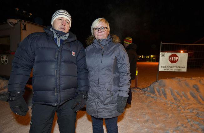 <p>JOBBER FRIVILLIG: – Flyktningene utsettes for umenneskelig behandling, mener Merete Nordhus og Eirik Nielsen i Refugees Welcome to Norway.</p>