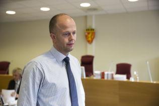 <p>FORSVARER: Advokat Svein Holden representerer den terrordømte norsk-albaneren Valon Avdyli.</p>