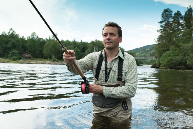 <p>VILLAKSBONDE: Vegard Heggem har gått fra fotballkarriere til turisme. Nå tilbyr han laksefiske i Orkla.</p>