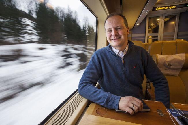 <p>TILBYR HJELP: Samferdselsminister Ketil Solvik-Olsen (Frp) inviterer byrådsleder Raymond Johansen (Ap) til departementet for en gjennomgang av hvilke tiltak han har til rådighet for å bedre luftkvaliteten i Oslo.</p>