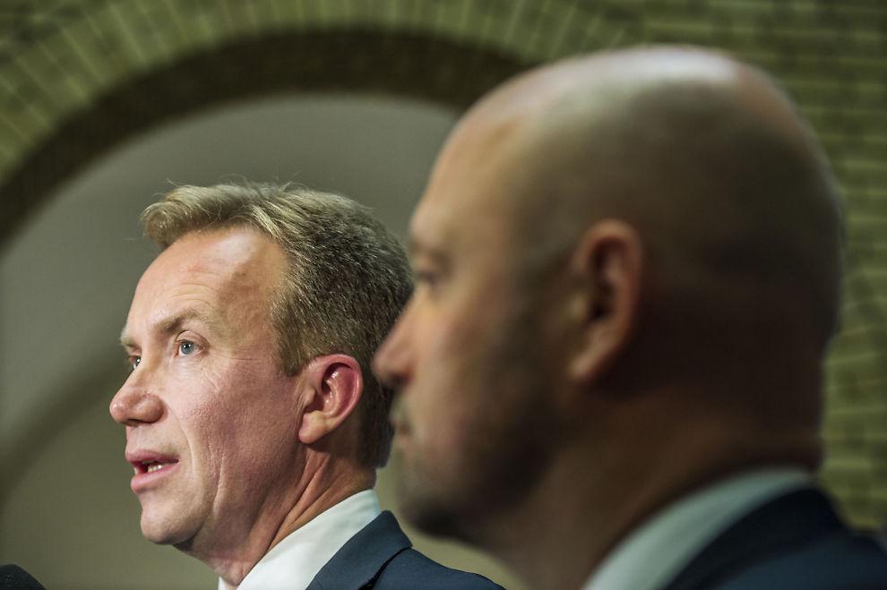 <p>BLE IKKE OVERRASKET: Utenriksminister Børge Brende (H), her sammen med justisminister Anders Anundsen (Frp) i Stortinget i fjor høst.</p>