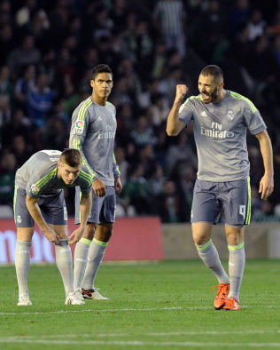 <p>1-1: Karim Benzema sikret poenget for Real Madrid mot Real Betis.</p>