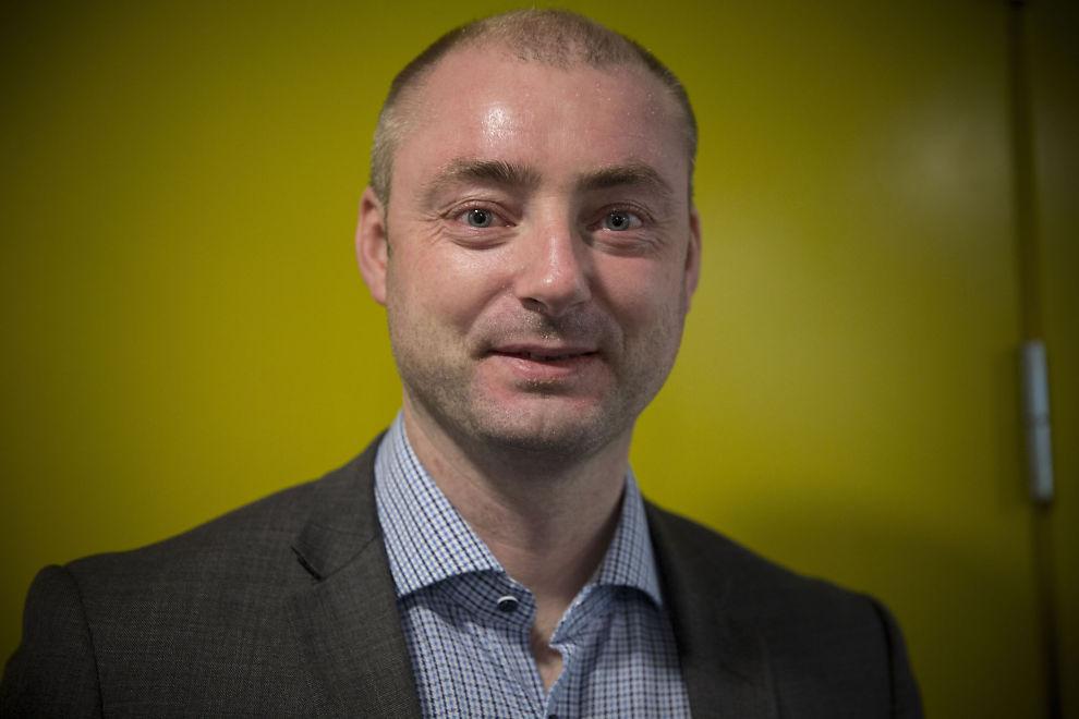 <p>VIL STRAMME TIL: Robert Eriksson (FrP) vil ha flere unge under 30 over i arbeidslivet og vekk fra trygd.</p>