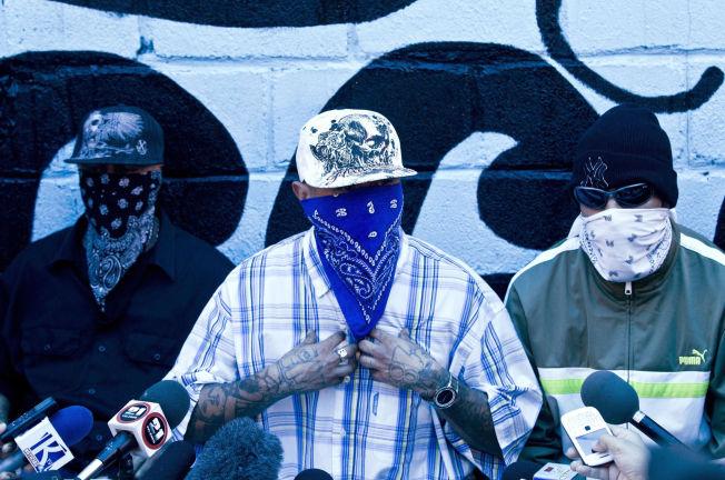 <p>GJENGTRØBBEL: Maskerte gjengmedlemmer holder pressekonferanse i fengselet i San Pedro Sula i Honduras - byen som i en årrekke har tronet på toppen av listen over verdens farligste byer.<br/></p>