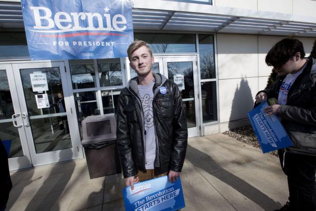 <p>BERNIE-SUPPORTER: Matthew Steffens (19) er ikke i tvil på hvem hans stemme går til i nominasjonsvalget. Sanders' plan om å avskaffe skolepenger på college er det viktigste for 19-åringen.</p>