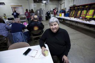 <p>IKKE BESTEMT SEG: Kun timer før nominasjonsvalget i Iowa er Nancy Notton-Stumpff (61) fremdeles usikker om hennes stemme går til Bernie Sanders eller Hillary Clinton.</p>