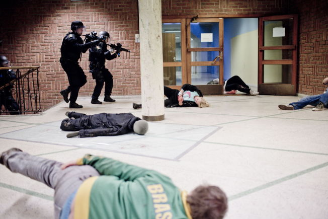 <p>ØVELSE: I 2012 trente politiet sammen med nødetatene på skoleskyting på Hovin skole i Oslo. Øvelsen het «Skyting pågår».<br/></p>