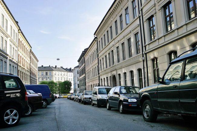 <p>OSLO: Det har blitt dyrere å parkere i sentrum, og snart forsvinner kommunale p-plasser på dager med mye forurensning. FOTO: Annemor Larsen</p>