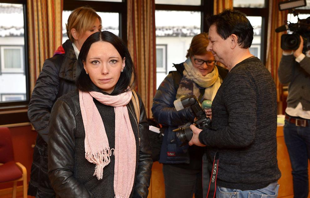 <p>– BORTFØRT: Ruth Meyer Johansen forklarte seg i retten tirsdag. Hun plages med angstanfall, og retten måtte ta pauser for at hun skulle hente seg inn igjen før og under forklaringen.</p>