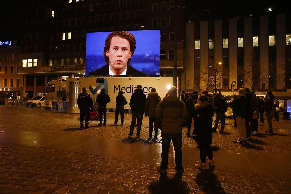 <p/><p>SAMLER SEERE: I kveld med YLVIS leier Youngstorget i Oslo tirsdag kveld og viser programmet som «nødhjelp til Canal Digital-ofrene», som er rammet av konflikten mellom Telenor og Discovery.</p>