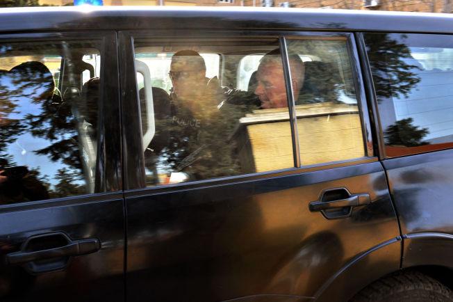 <p>NEKTER SKYLD: Her frakter antiterrorpolitiet Espen Lee bort fra distriktsretten i Nicosia torsdag formiddag. Han og de to andre nordmennene nekter straffskyld, men må sitte i varetekt minst frem til onsdag mens politiet fortsetter etterforskningen av det de hevder var forsøk på barnekidnapping. Foto: HARALD HENDEN/VG</p>