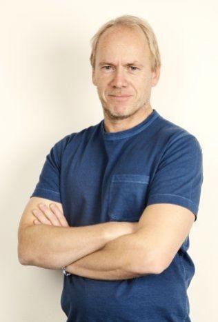 pTrond Johannessen, journalist, internasjonal fotball./p