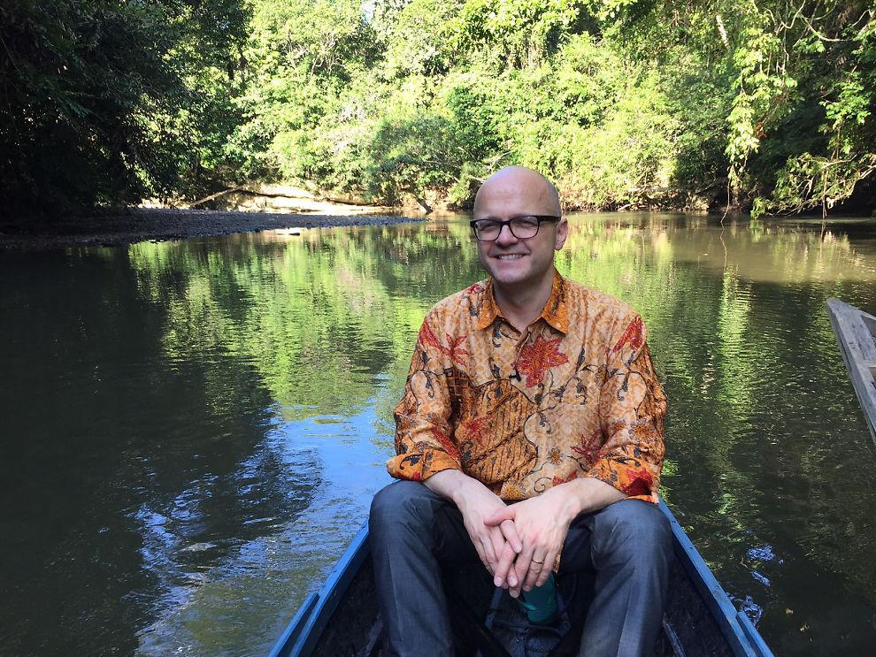 <p>REGN MED NORGE: Klima- og miljøminister Vidar Helgesen rakk en tur inn i regnskogen på sin tur til Indonesia. Her skal han bruke milliarder av norske kroner. I dette intervjuet roper vi i skogen – og han gir svar.</p>