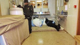 <p>SOV TETT: I dette rommet som trolig er på Vestleiren i Kirkenes, overnattet 12-13 asylsøkere mellom 27.11 og 28.11.</p>
