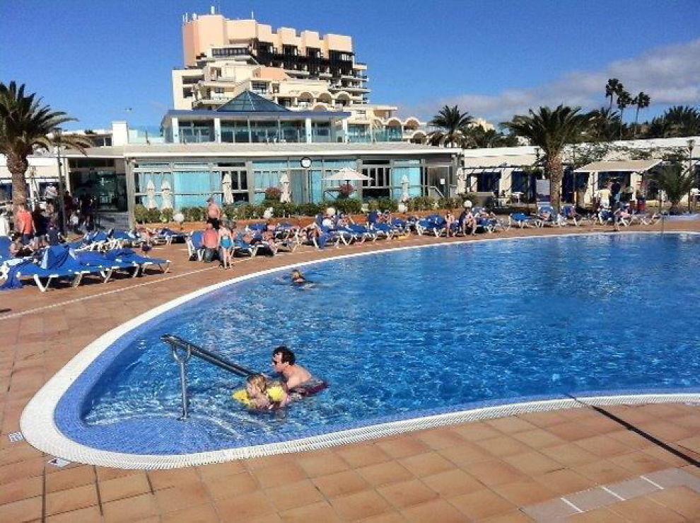<p><b>ET LITE STYKKE NORGE:</b>– Reisebyråenes pittoreske småbyer med lokalt liv er i virkeligheten turistgettoer der livet føres på norsk. Gran Canaria er nordmennenes break-even-punkt – nærmest og billigst reisemål for sikker sol, skriver Sanna Sarromaa.</p>