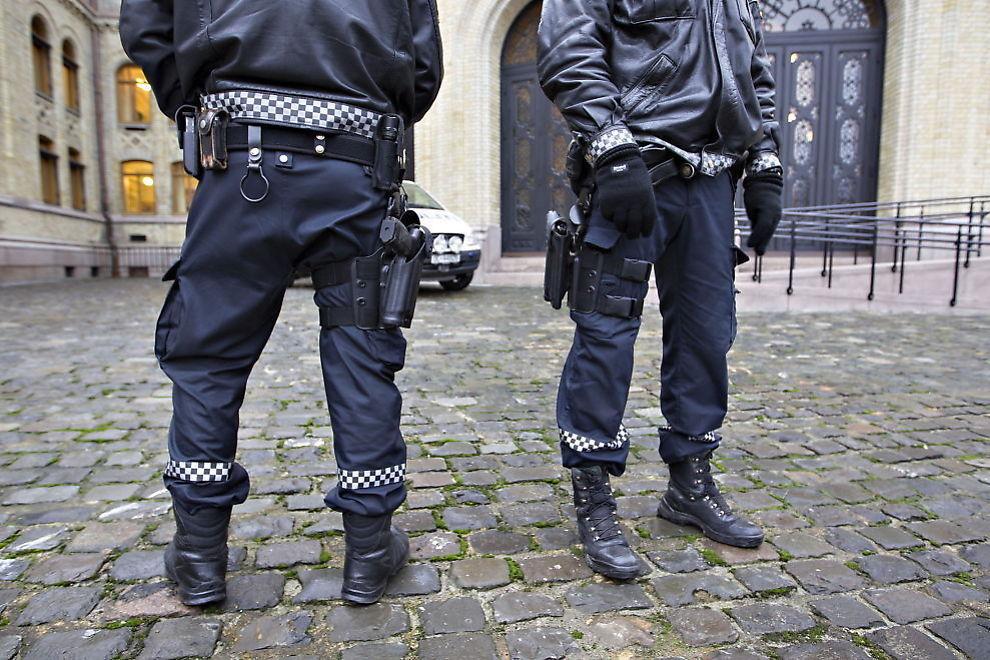 <p>SLIK VAR DET: Onsdag ble politiets midlertidige bevæpning avsluttet.</p>