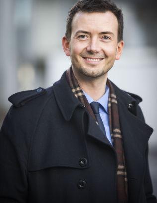 <p>MOT GRATIS SKOLEMAT: Høyres skoletalsmann Kent Gudmundsen, er saksordfører for skolemat-saken på Stortinget.</p>