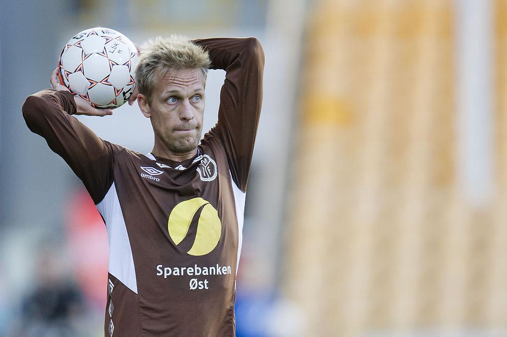 <p>SKAPTE FURORE: Mads Hansen er overrasket over at Serieforeningen for kvinnefotball mente uttalelsene hans etter bortekampen mot Haugesund var kvinnediskriminerende. Her fra møtet med Lillestrøm på Åråsen i fjor.</p>
