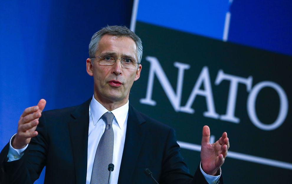 <p>KLAR TALE: NATOs generalsekretær Jens Stoltenberg under en pressekonferanse i Burssel torsdag.</p>