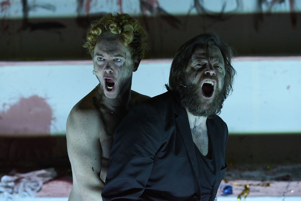<p> AGGRESJONER: Emil Johnsen og Kåre Conradi i høylytt utagering i «Richard III» på Nationaltheatret. Foto: ØYVIND EIDE</p>