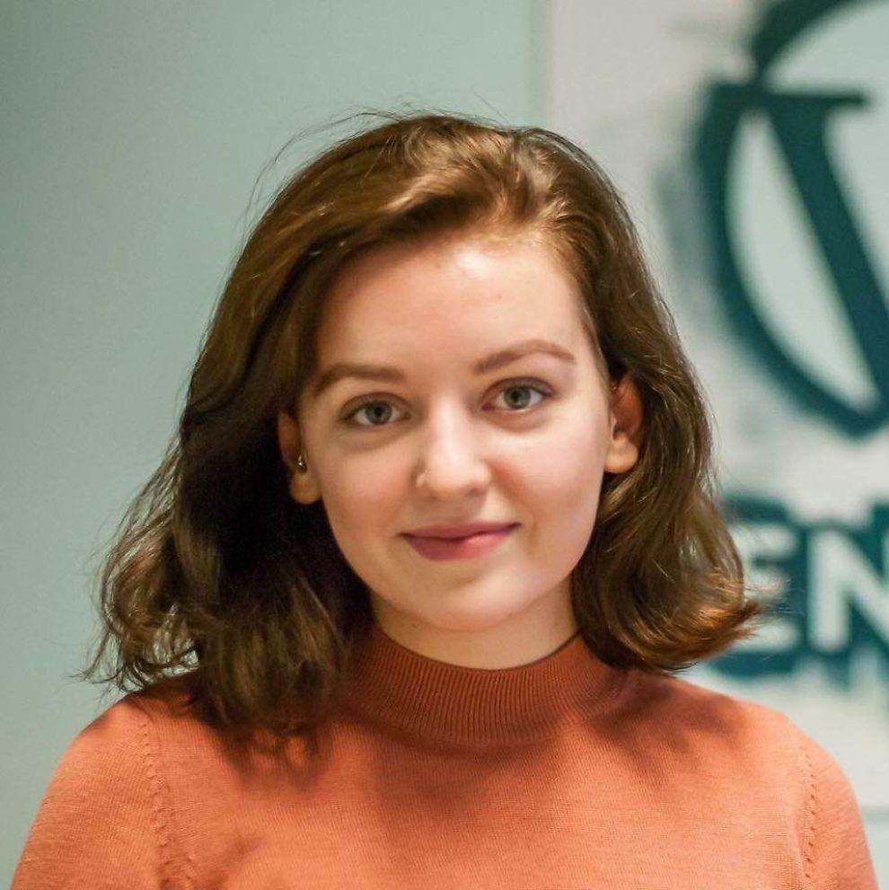 <p>USERIØST: Kari Jaquesson ringte Anna Dåsnes (17) lørdag og ba om unnskyldning. Dåsnes synes likevel det er synd at hun kun gjør det på grunn av hennes alder.</p>