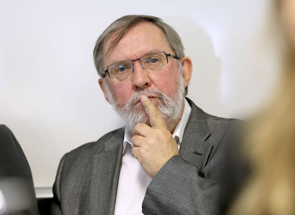 <p>TREHOLT-EKSPERT: Redaktør i Aftenposten, Harald Stanghelle, valgte å ta innholdet i Geir Selvik Malthe-Sørensens bok fra 2010 på alvor. Nå mener det er grunn til å stille spørsmålstegn ved kildegrunnlaget for boken.</p>