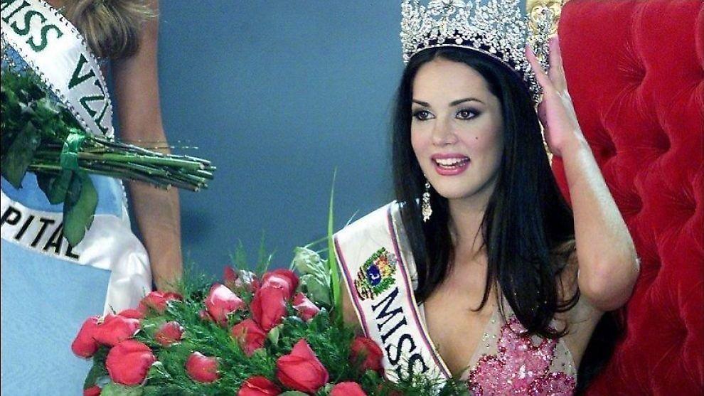 <p>TRAGEDIE: Her er den avdøde Monica Spear avbildet i forbindelse med at Miss Venezuela-kåringen i 2004.</p>