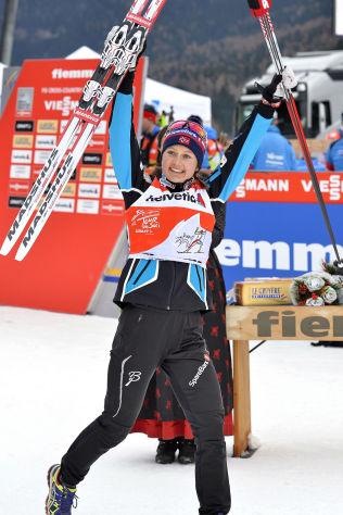 STJERNE: Østberg jubler etter et renn i Tour de Ski i januar.