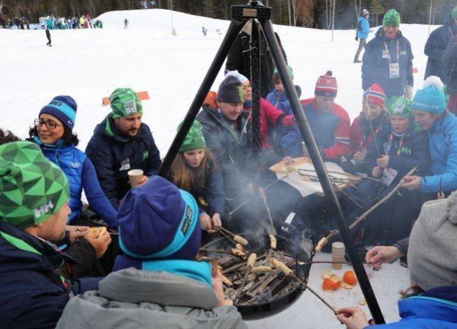<p>IOC-SAMLING: Seks IOC-medlemmer takket ja til kulturministerens invitasjon om en kort skitur og prat om norske idrettsverdier lørdag.K Kronprins Haakon var også med, men tronarvingen er klar på at han ikke har planer om å bli IOC-meldem.<br/></p>