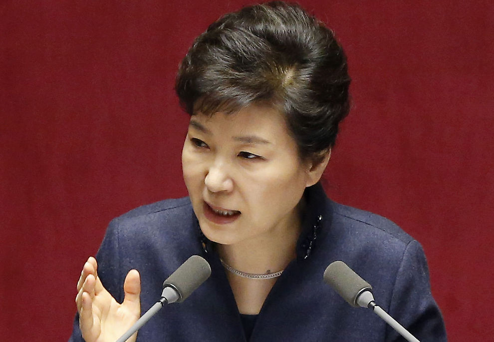 <p>TØFF TALE-TONE: Sør Koreas president Park Geun-hye holdt en tale i nasjonalforsamlingen i Seoul tirsdag, hvor hun advarte om at Nord Korea kan kollapse hvis de ikke avvikler sitt omstridte atomvåpenprogram.</p>