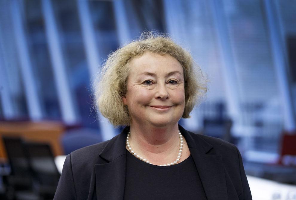 <p>UTNEVNT: Toril Marie Øie (55) er utnevnt til ny høyesterettsjustitiarius etter Tore Schei (70 år fredag) som går av 29. februar.</p>