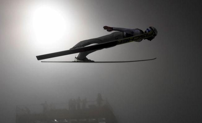 <p>HELT I TÅKA: Daniel-André Tande hoppet ned til sin beste verdenscupplassering siden seieren i åpningsrennet i Lahti-tåken.<br/></p>