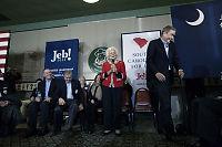 Mamma Bush (90) hjelper sønnen i valgkampen