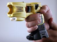 Politirapport: – Elektrosjokkvåpen kan ikke erstatte pistolene