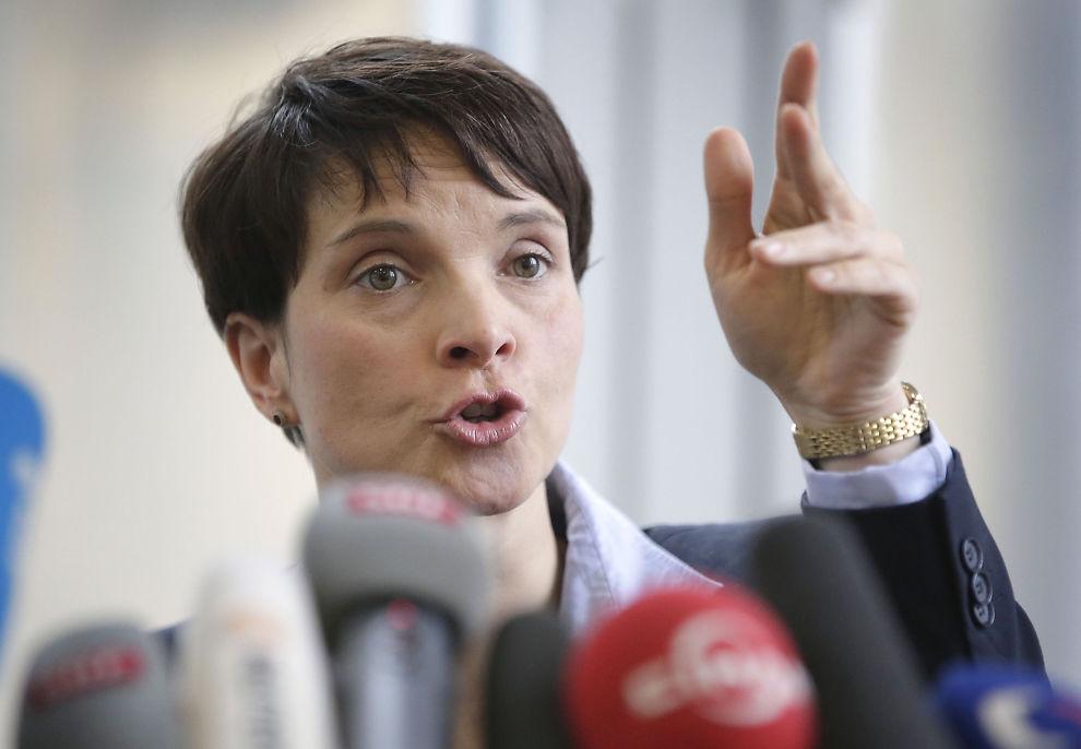 """<p>KONTROVERSIELL: Hun blir beskyldt for å representere """"mørke krefter"""" og høyreekstremister. I dag måtte Frauke Petry fra partiet Alternative für Deutschland svare på spørsmål fra pressen i Berlin.</p>"""