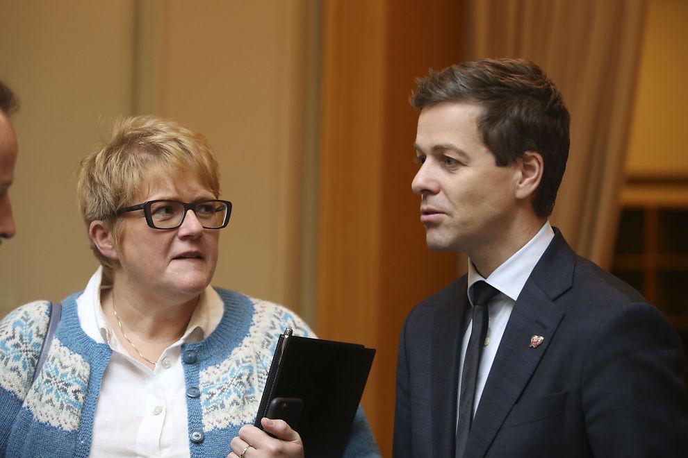 <p>INGEN ERNA-STØTTE HER: Venstre-leder Trine Skei Grande og Kristelig Folkeparti-leder Knut Arild Hareide.</p>